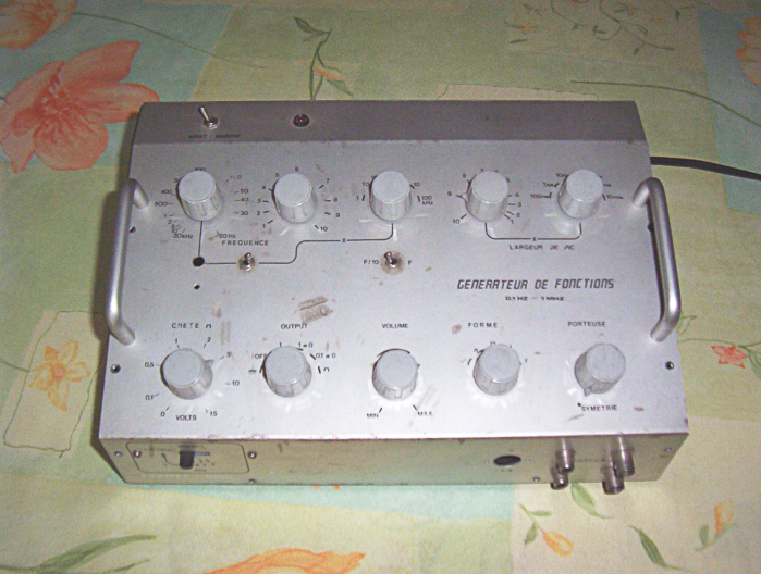 image of the Function generator (base XR2206)
